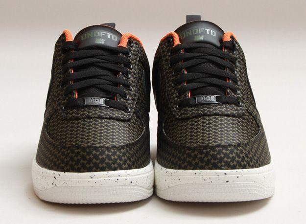 Undefeated-x-Nike-Lunar-Force-1-Black-Medium-Olive-2